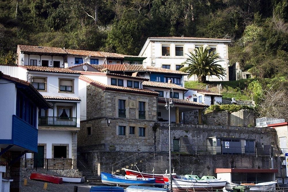 Restaurante marisqueria el uria tazones restaurante el - Marisquerias en asturias ...